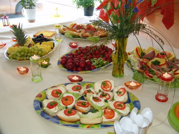 beach-wedding-reception-food-ideas